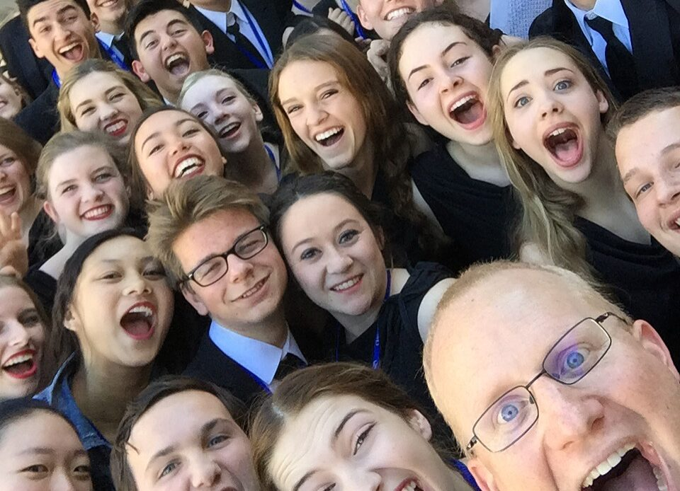 Tesoro High Choir Director wins Country Music Teachers of Excellence honor