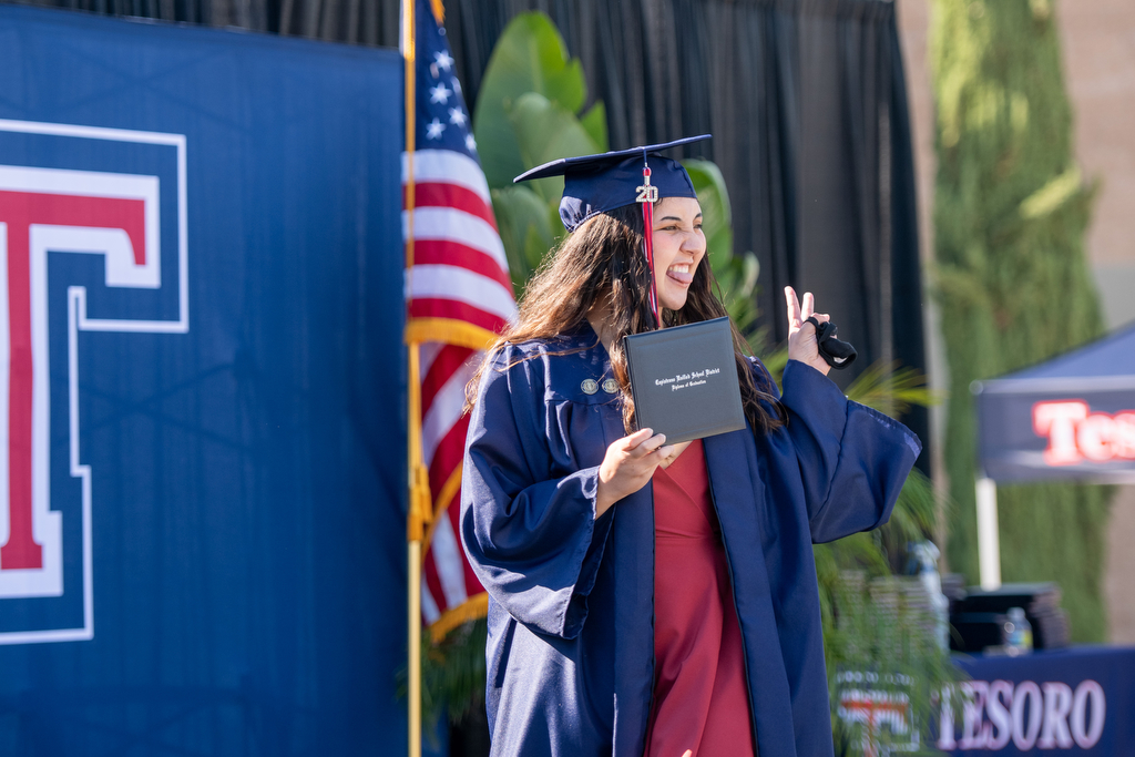 Tesoro High graduates walk red carpet to their diploma at 2020 commencement