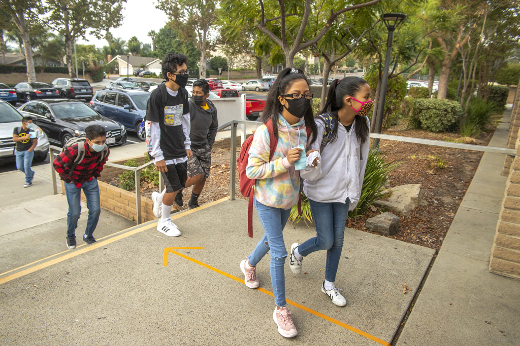 Middle schoolers return to the classroom in Capistrano Unified
