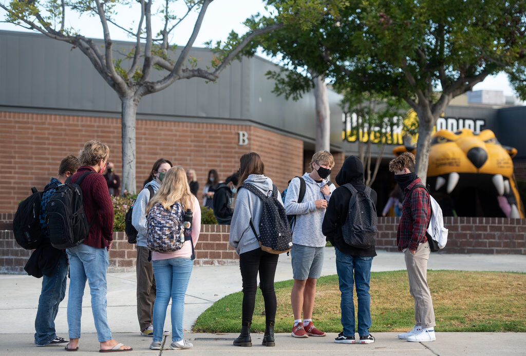 Capistrano Valley High's hybrid students return to campus full-time