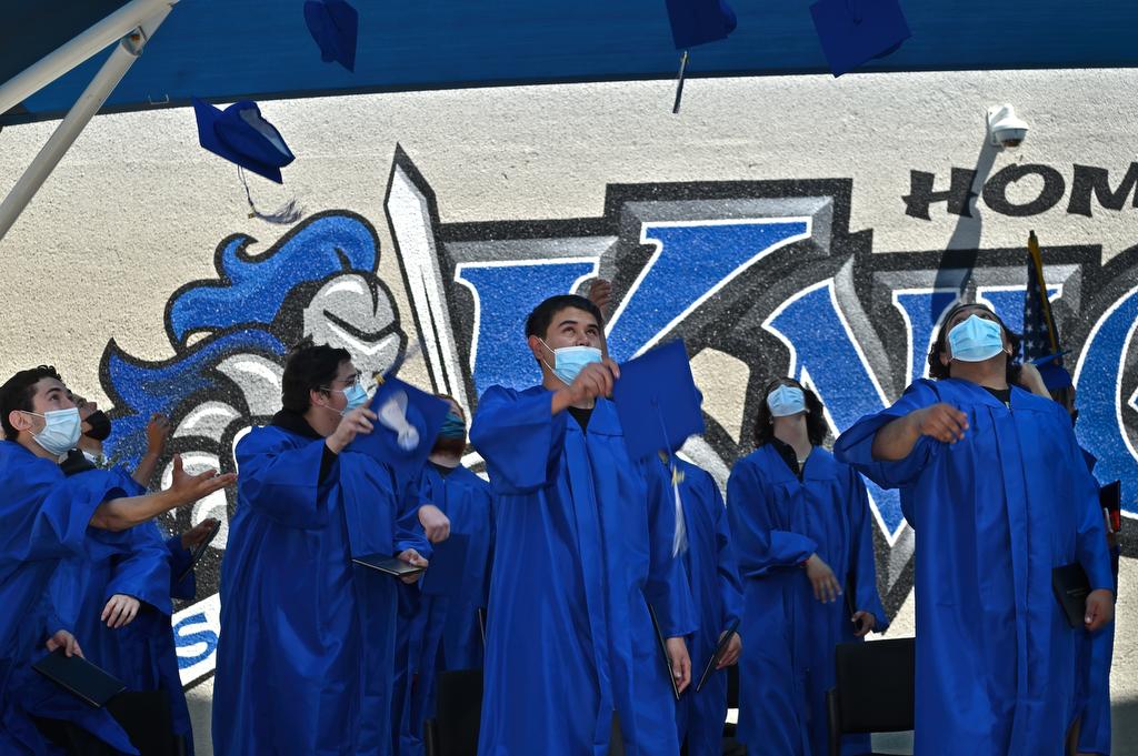 Serra and Bridges high schools celebrate 'extraordinary' Class of 2021